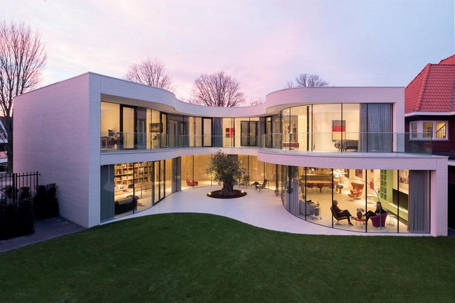 Villa ngập tràn ánh sáng mà vẫn riêng tư